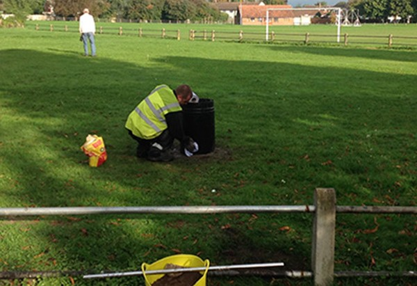 litter-picking-Warwickshire